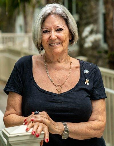 virginia yermoli gold necklace close up exterior coconut grove women's club